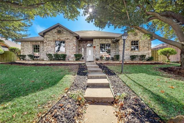612 Austin Drive, Desoto, TX 75115 (MLS #14231371) :: Tenesha Lusk Realty Group