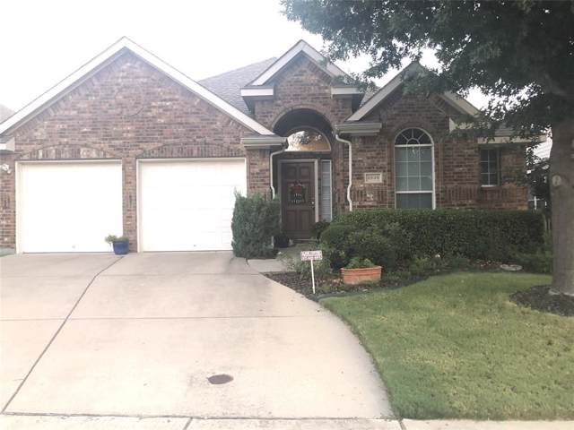 2620 Coral Cove Drive, Grand Prairie, TX 75054 (MLS #14232671) :: Van Poole Properties Group