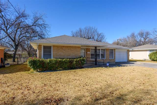 1213 Fair Avenue, Gainesville, TX 76240 (MLS #14233030) :: The Mitchell Group
