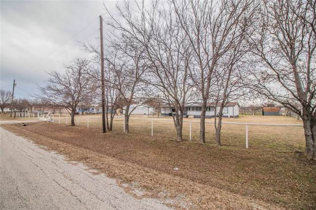 18530 Comanche Road, Justin, TX 76247 (MLS #14233957) :: Dwell Residential Realty