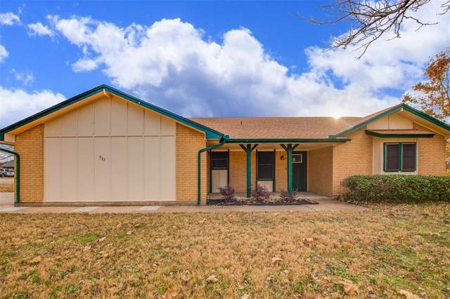 717 Ridgeway Road, Joshua, TX 76058 (MLS #14234428) :: The Hornburg Real Estate Group