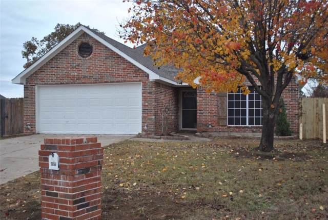 809 Ridgecrest Court, Aubrey, TX 76227 (MLS #14234499) :: The Kimberly Davis Group