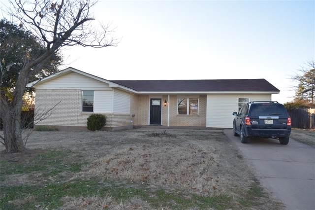 1119 S Oak Street, Archer City, TX 76351 (MLS #14235832) :: The Kimberly Davis Group