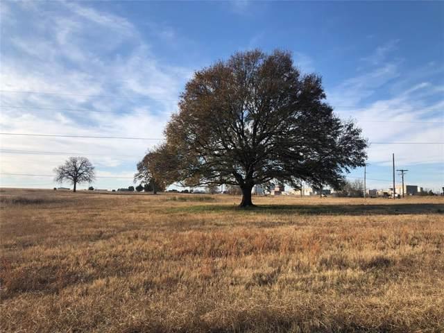 1210 S Shore Drive, Bonham, TX 75418 (MLS #14235845) :: The Kimberly Davis Group