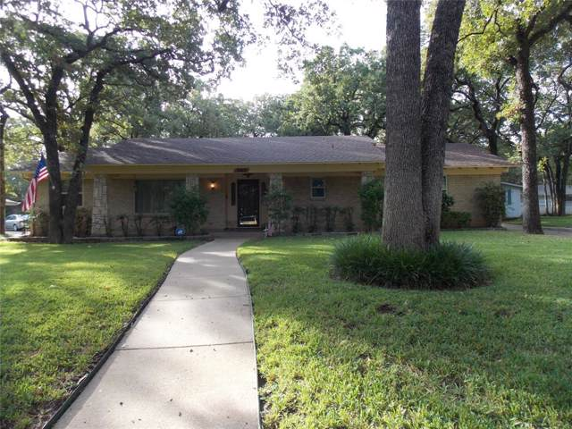 3412 Woodford Drive, Arlington, TX 76013 (MLS #14235883) :: Tenesha Lusk Realty Group