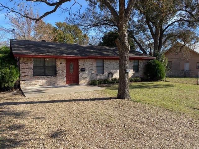 800 N Madison Street, Kaufman, TX 75142 (MLS #14235945) :: RE/MAX Pinnacle Group REALTORS