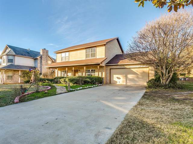 1113 W Lake Drive, Weatherford, TX 76087 (MLS #14236660) :: The Kimberly Davis Group
