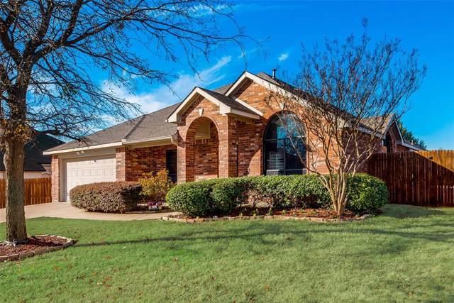 657 Chestnut Lane, Saginaw, TX 76179 (MLS #14236695) :: Baldree Home Team