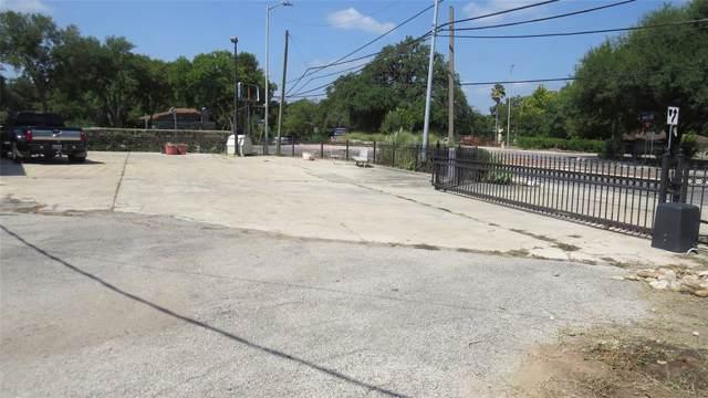 413 Riverside Drive, San Marcos, TX 78666 (MLS #14237082) :: Hargrove Realty Group