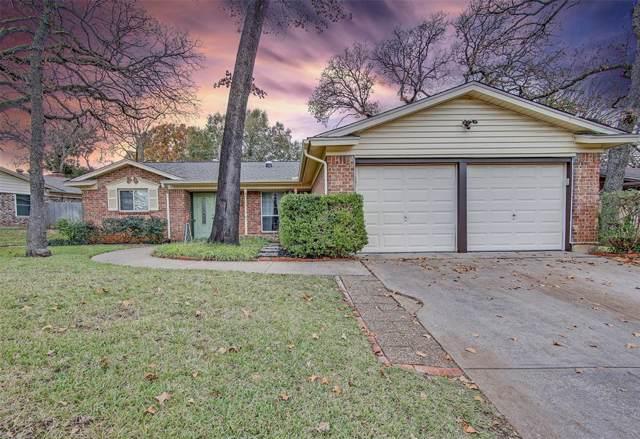 2910 Duff Drive, Arlington, TX 76013 (MLS #14237709) :: Tenesha Lusk Realty Group
