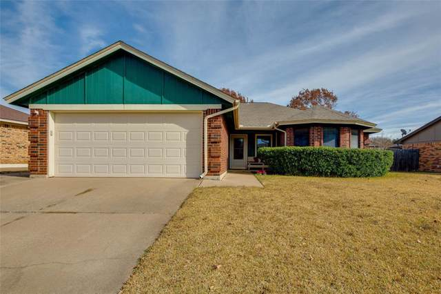 7912 Hunters Glen Drive, Watauga, TX 76148 (MLS #14237726) :: Dwell Residential Realty