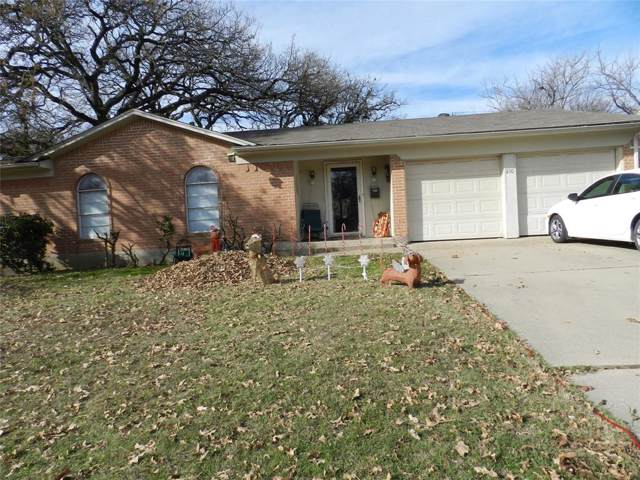 210 Laura Drive, Burleson, TX 76028 (MLS #14237967) :: RE/MAX Pinnacle Group REALTORS