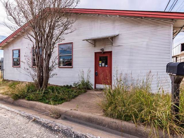 185 S Titus Street, Giddings, TX 78942 (MLS #14237976) :: North Texas Team | RE/MAX Lifestyle Property