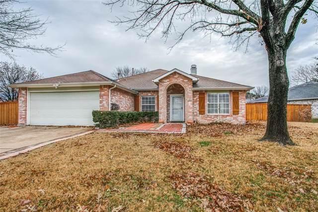 824 Atchison Drive, Saginaw, TX 76131 (MLS #14237992) :: Baldree Home Team