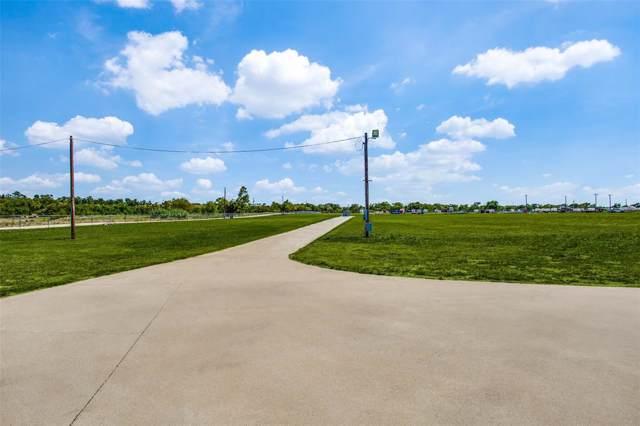 3236 Memory Lane, Sanger, TX 76266 (MLS #14238008) :: Maegan Brest | Keller Williams Realty