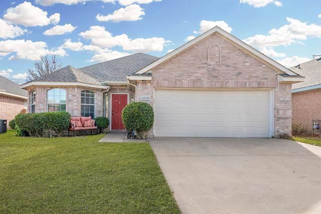 1608 Creekpark Trail, Arlington, TX 76018 (MLS #14238046) :: The Hornburg Real Estate Group