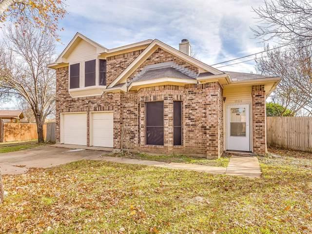 1004 Meadow Glen Court, Arlington, TX 76018 (MLS #14238161) :: The Hornburg Real Estate Group