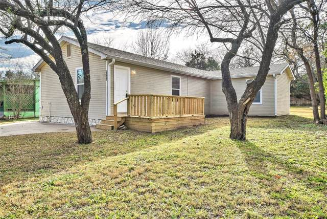 4308 Lucero Drive, Granbury, TX 76048 (MLS #14238555) :: The Kimberly Davis Group