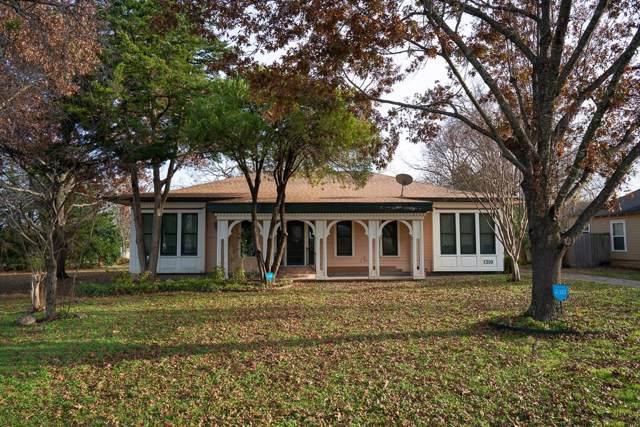 1310 E Marvin Avenue E, Waxahachie, TX 75165 (MLS #14238562) :: The Good Home Team