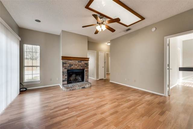 1393 Chinaberry Drive, Lewisville, TX 75077 (MLS #14238571) :: 24:15 Realty
