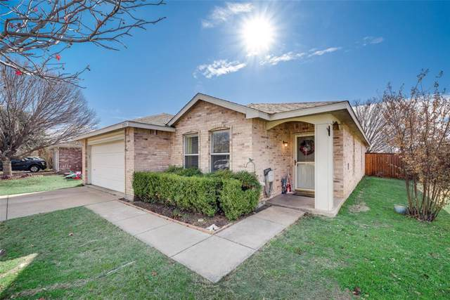5513 Wiltshire Drive, Fort Worth, TX 76135 (MLS #14239172) :: The Kimberly Davis Group