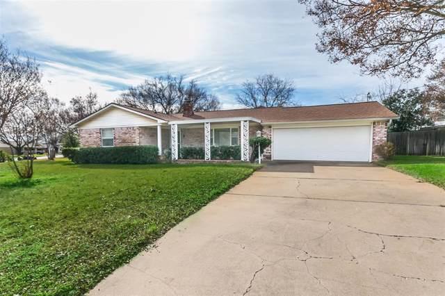 521 Branch Circle E, White Settlement, TX 76108 (MLS #14239206) :: Team Tiller