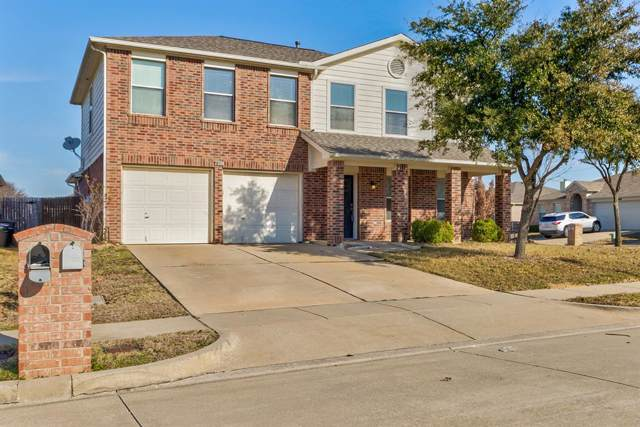 1817 Two Hawks Drive, Fort Worth, TX 76131 (MLS #14239369) :: Ann Carr Real Estate