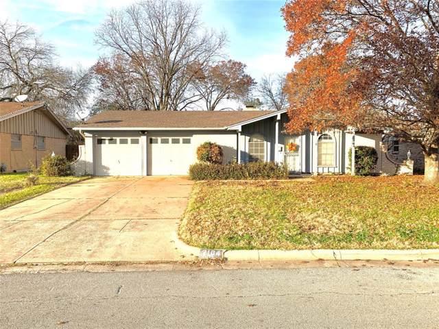 2104 Cliffside Drive, Edgecliff Village, TX 76134 (MLS #14239512) :: Trinity Premier Properties