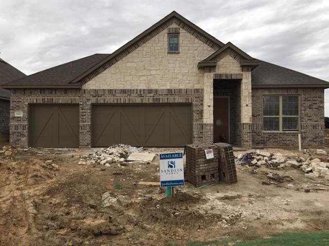 1111 Wyndbrook Drive, Justin, TX 76247 (MLS #14240119) :: The Hornburg Real Estate Group