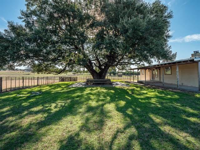 700 Lands Way Road, Weatherford, TX 76087 (MLS #14240307) :: NewHomePrograms.com LLC
