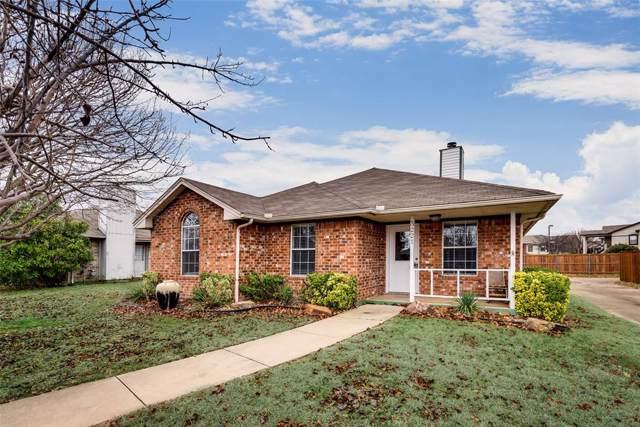 3221 Hollycreek, Denton, TX 76207 (MLS #14241117) :: The Mauelshagen Group