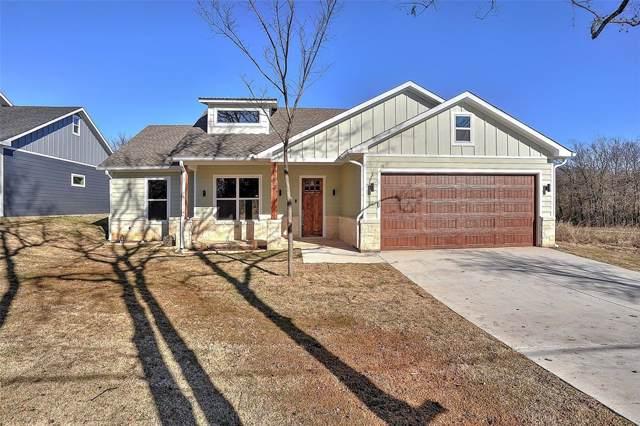 2621 Flora Lane, Denison, TX 75020 (MLS #14241447) :: The Kimberly Davis Group