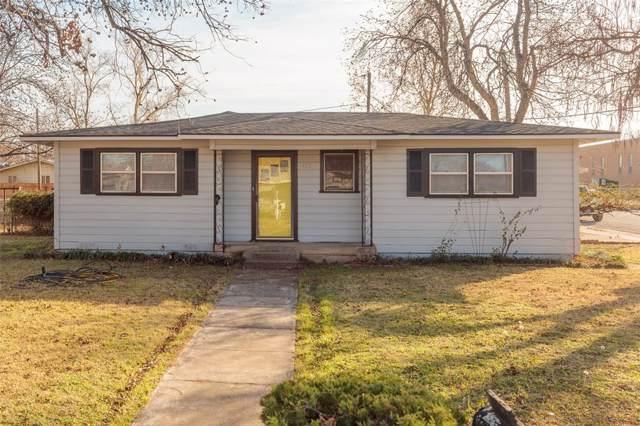 1422 Avenue B Square, Graham, TX 76450 (MLS #14242358) :: Frankie Arthur Real Estate