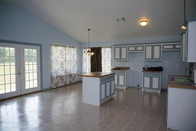 222 County Road 2116, Ivanhoe, TX 75447 (MLS #14242904) :: Frankie Arthur Real Estate