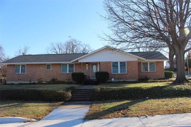 921 British Boulevard, Grand Prairie, TX 75050 (MLS #14252260) :: The Kimberly Davis Group