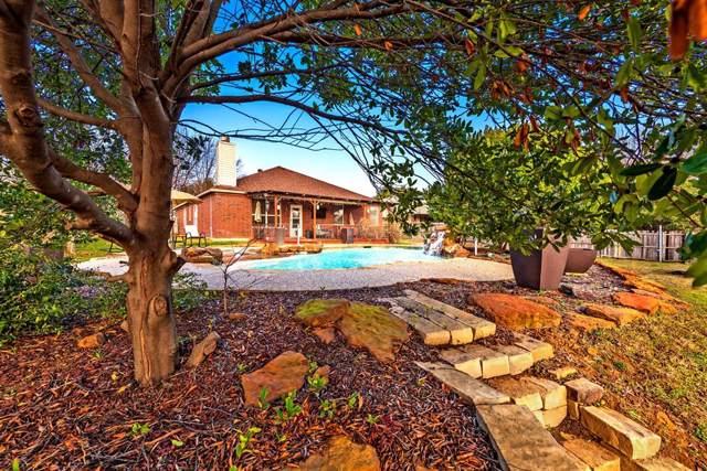 3202 Mulholland Road, Corinth, TX 76210 (MLS #14253879) :: Team Tiller