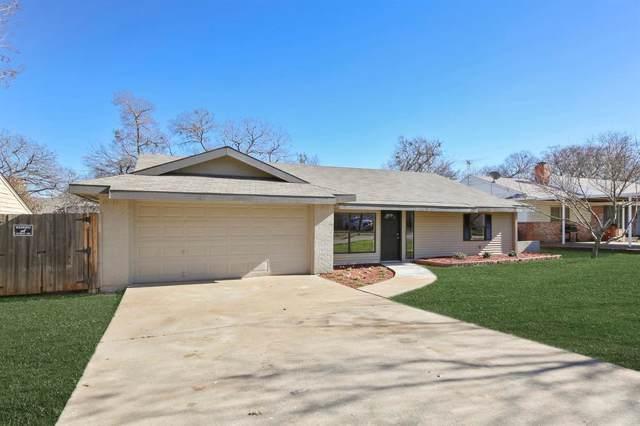 340 Arcadia Street, Hurst, TX 76053 (MLS #14255859) :: Century 21 Judge Fite Company