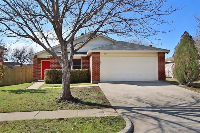 1002 Mazourka Drive, Arlington, TX 76001 (MLS #14256750) :: The Heyl Group at Keller Williams