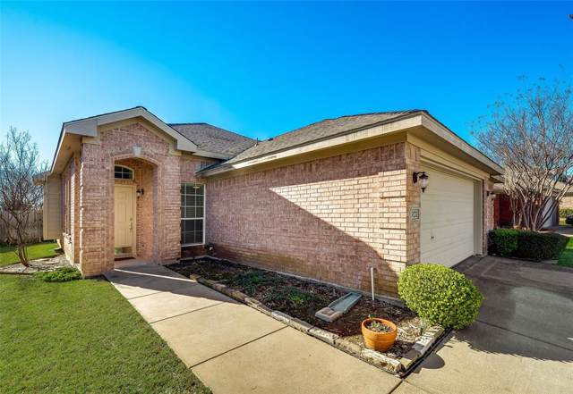 902 High Creek Drive, Euless, TX 76040 (MLS #14257031) :: Lynn Wilson with Keller Williams DFW/Southlake