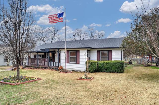 117 Houston Street, Pottsboro, TX 75076 (MLS #14258496) :: Robbins Real Estate Group