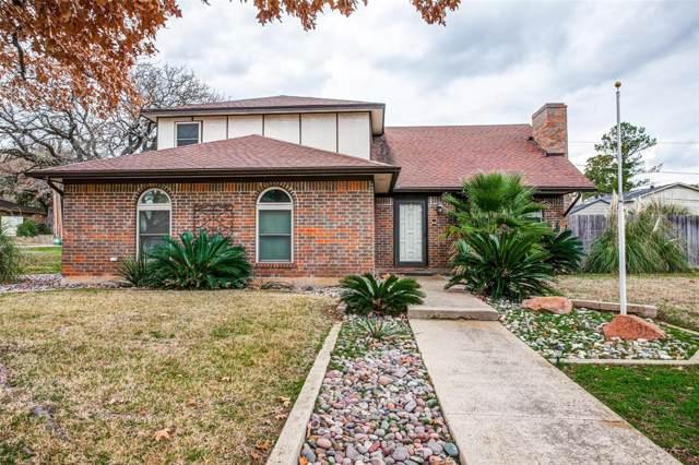 1300 Laurel Drive, Arlington, TX 76012 (MLS #14258676) :: The Hornburg Real Estate Group