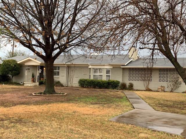 1303 W Belknap Street, Jacksboro, TX 76458 (MLS #14258967) :: The Chad Smith Team