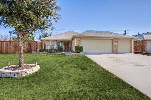 4104 Lone Star Lane, Denton, TX 76210 (MLS #14259170) :: The Mauelshagen Group