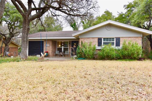 1607 Highland Drive, Brownwood, TX 76801 (MLS #14260256) :: The Mauelshagen Group