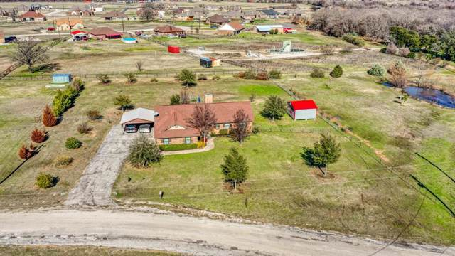 120 Stella Lane, Springtown, TX 76082 (MLS #14260592) :: The Chad Smith Team