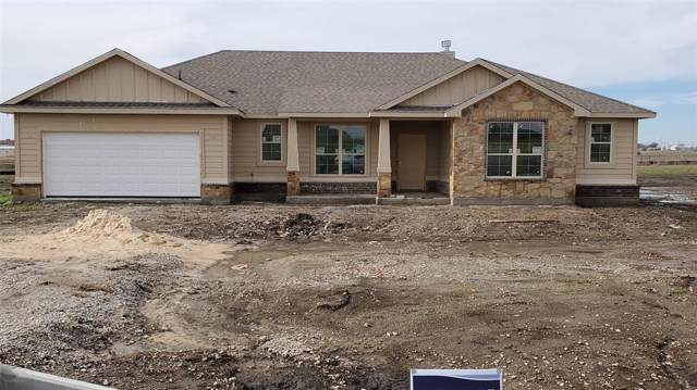 208 Crest Lane, Decatur, TX 76234 (MLS #14261281) :: NewHomePrograms.com LLC