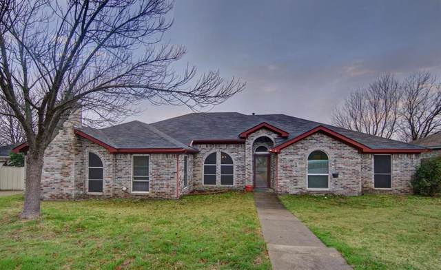 10405 Lone Pine Lane, Fort Worth, TX 76108 (MLS #14261477) :: The Chad Smith Team
