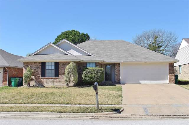 8221 Willis Lane, Watauga, TX 76148 (MLS #14261559) :: Trinity Premier Properties