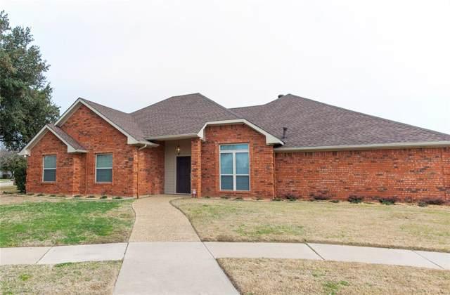 2200 Southern Circle, Carrollton, TX 75006 (MLS #14261644) :: The Heyl Group at Keller Williams