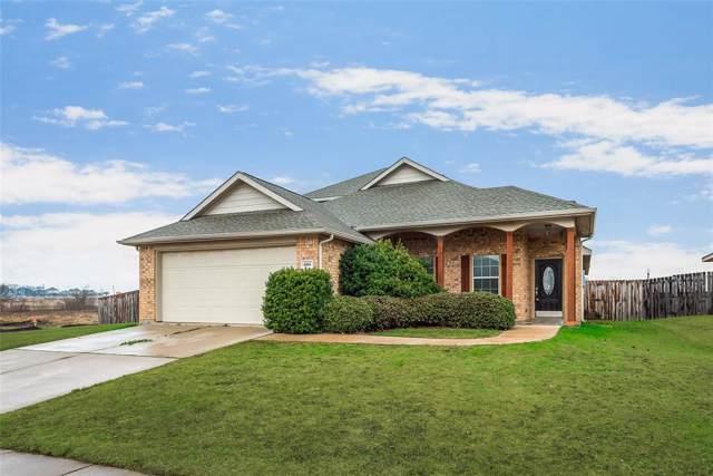 4001 Park Lane, Sanger, TX 76266 (MLS #14262913) :: Trinity Premier Properties